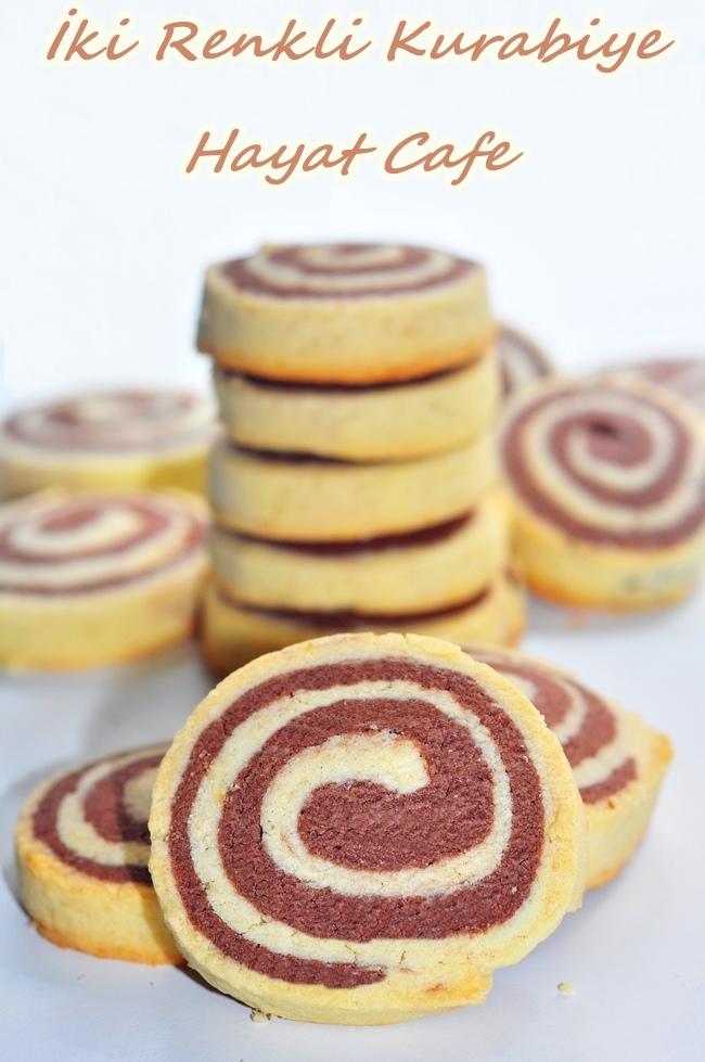 iki renkli kurabiye
