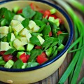domatesli semiz otu salatası