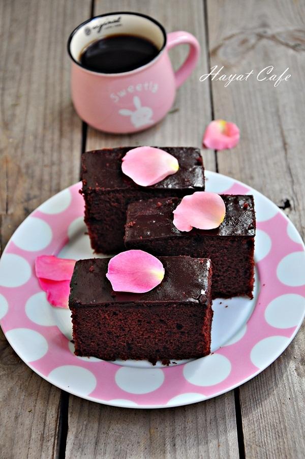 pratik çikolata soslu kek