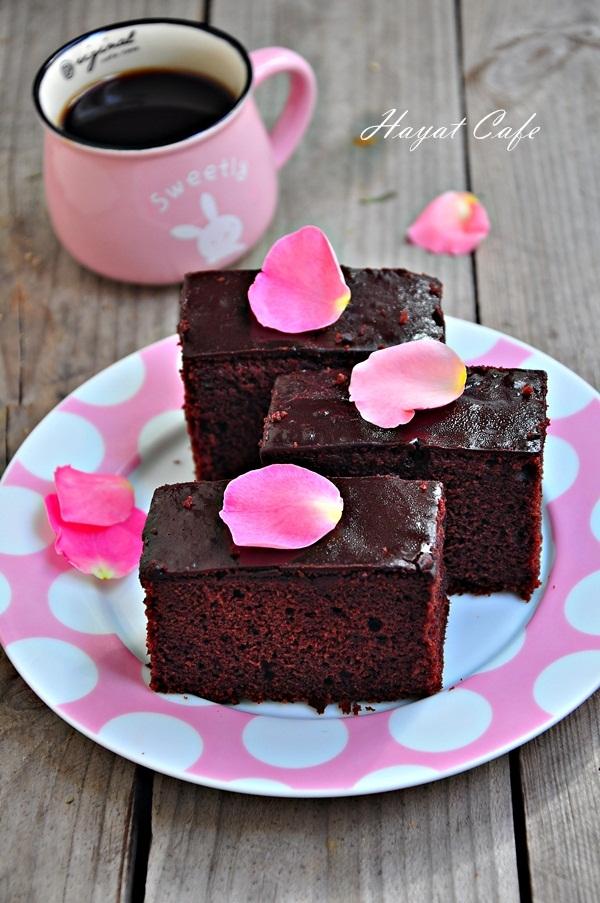 üzeri çikolata soslu kek tarifi